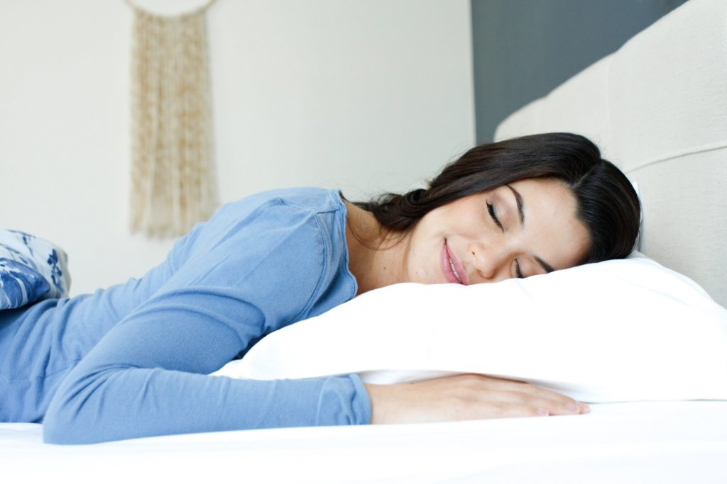 7 Best Pillows For Stomach Sleepers (2020 Update) - Piles of Pillows